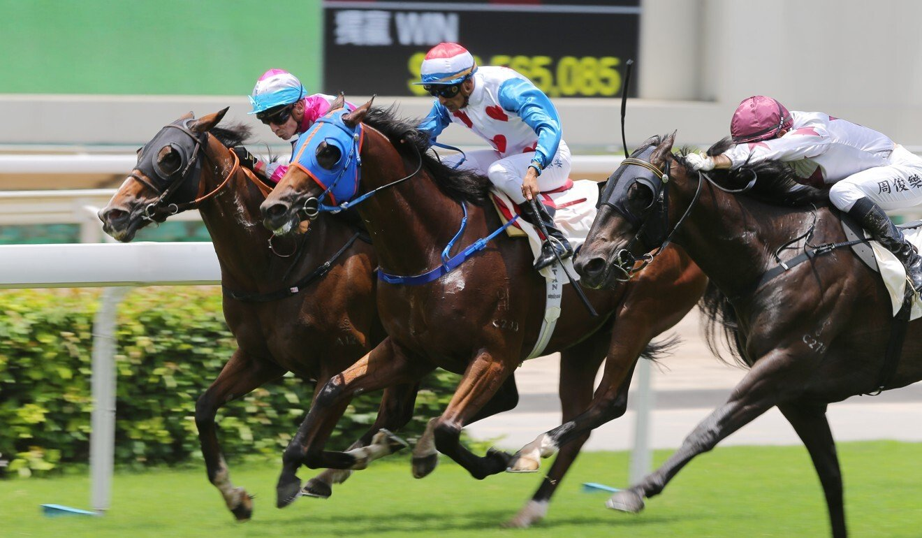 Vagner Borges (inside) sneaks home to win on Kwaichung Brothers.
