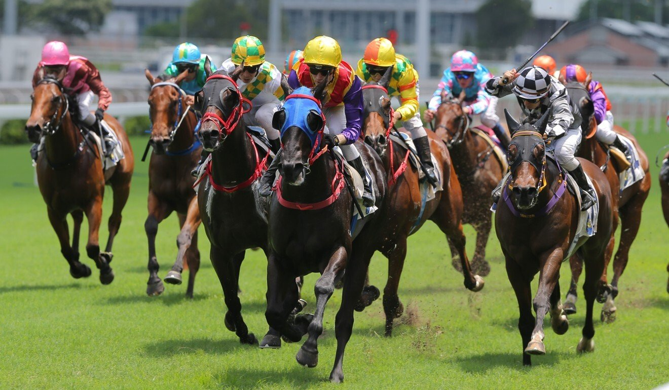 Antoine Hamelin guides Dublin Star to victory at Sha Tin.