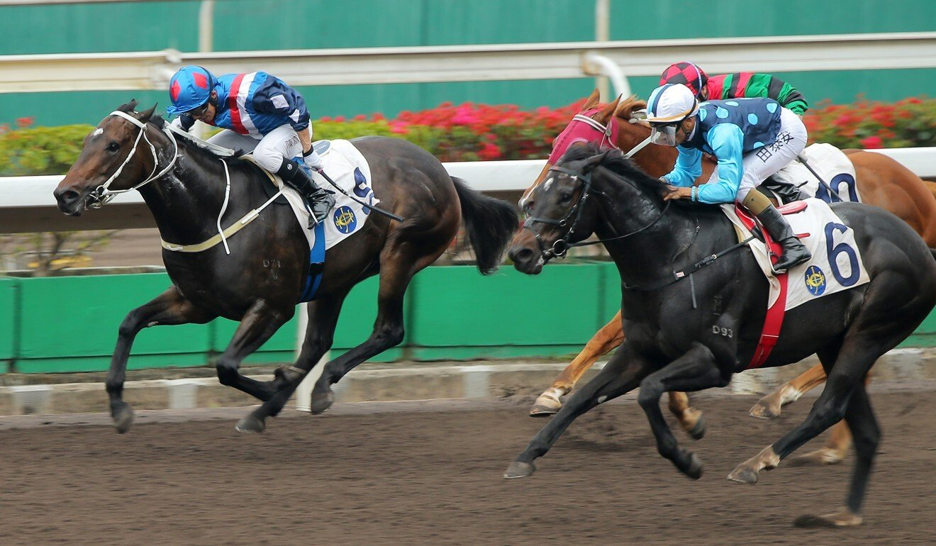 Will Power (outside) lets down around the field to win at Sha Tin.