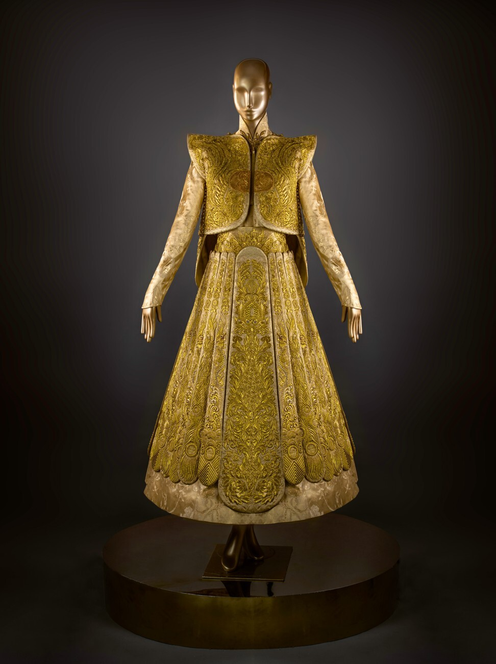 Guo Pei's traditional bridal dress took five years to make using pure gold embroidery thread. Photo: Guo Pei