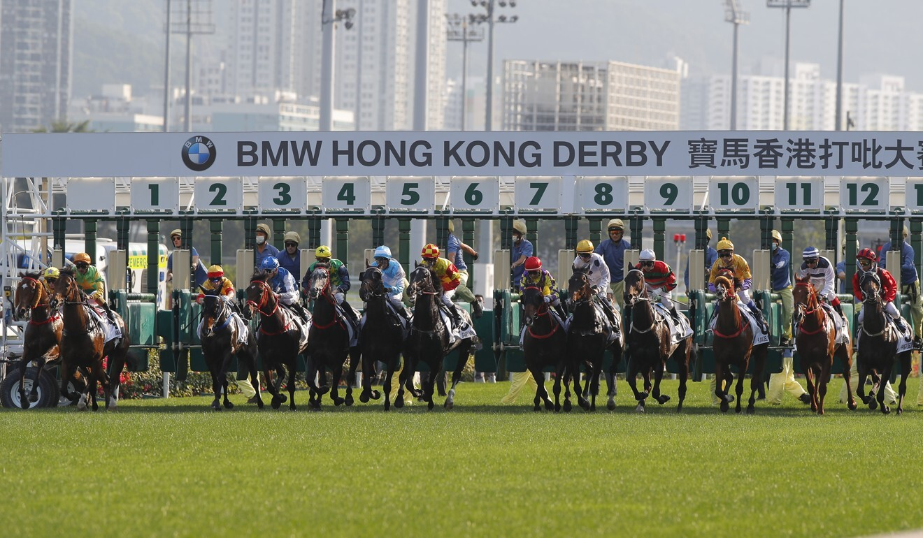 The field jumps in the 2020 BMW Hong Kong Derby.