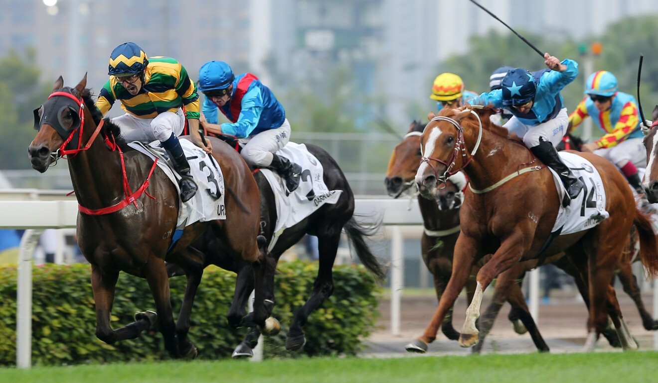 Sunny Speed (right) grabs third in the 2019 Hong Kong Derby.