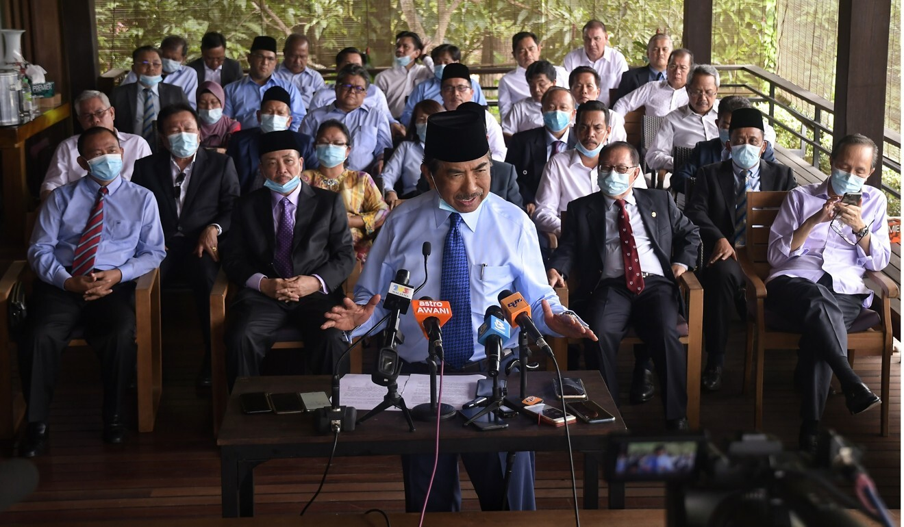 Musa Aman, former Sabah chief minister and a governing party politician, holds a press conference in Kota Kinabalu, after the state parliament was dissolved. Photo: AP