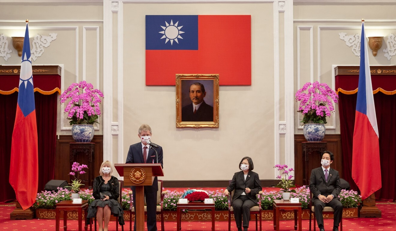 Czech senate president Milos Vystrcil pictured with Taiwan's leader Tsai Ing-wen at the presidential palace in Taipei. Photo: EPA-EFE