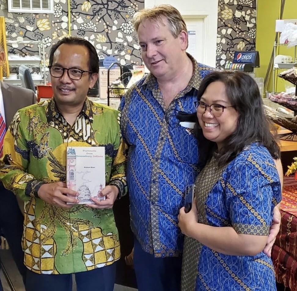 From left, Indonesia's consul general in Chicago, Meri Binsar Simorangkir, Mayasari Effendi's husband Richard Mays, and Mayasari Effendi. Photo: Handout