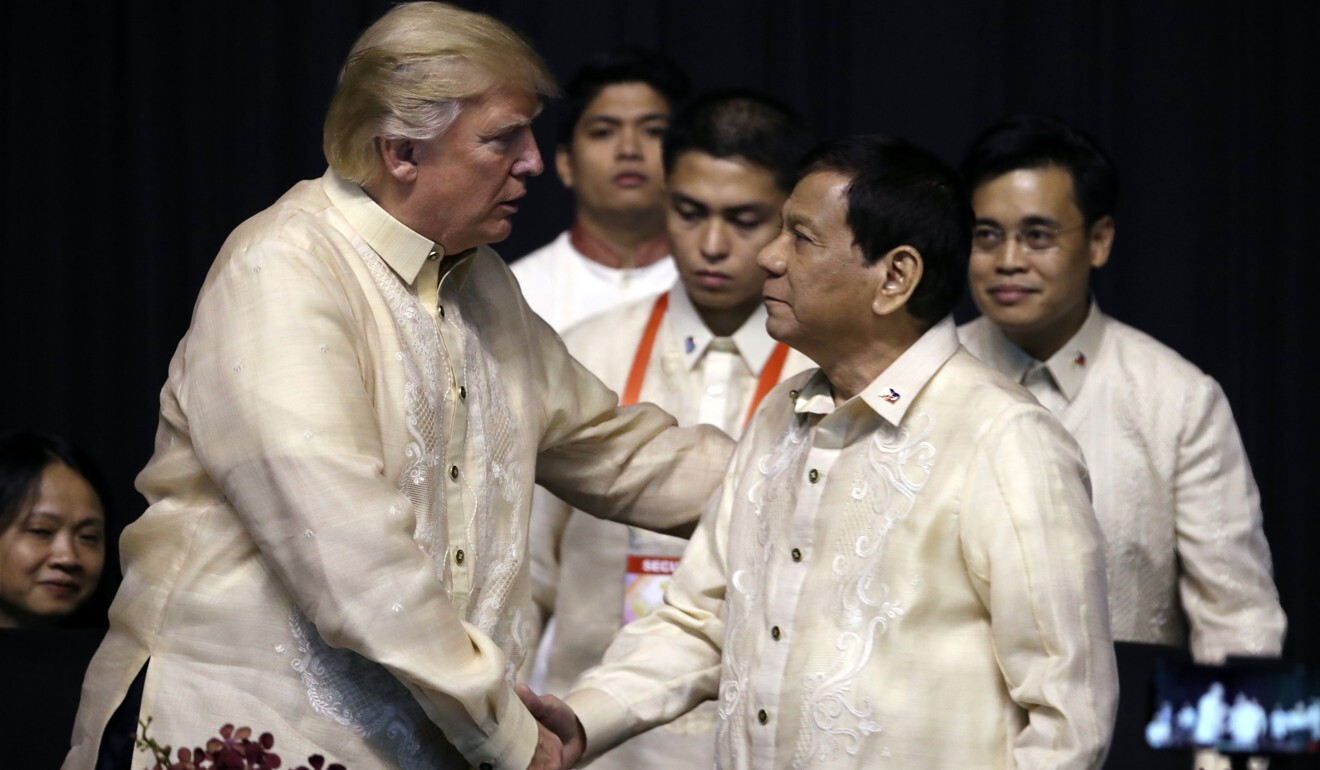 US President Donald Trump shakes hands with Philippine President Rodrigo Duterte at an Asean summit dinner in 2017. Photo: AP