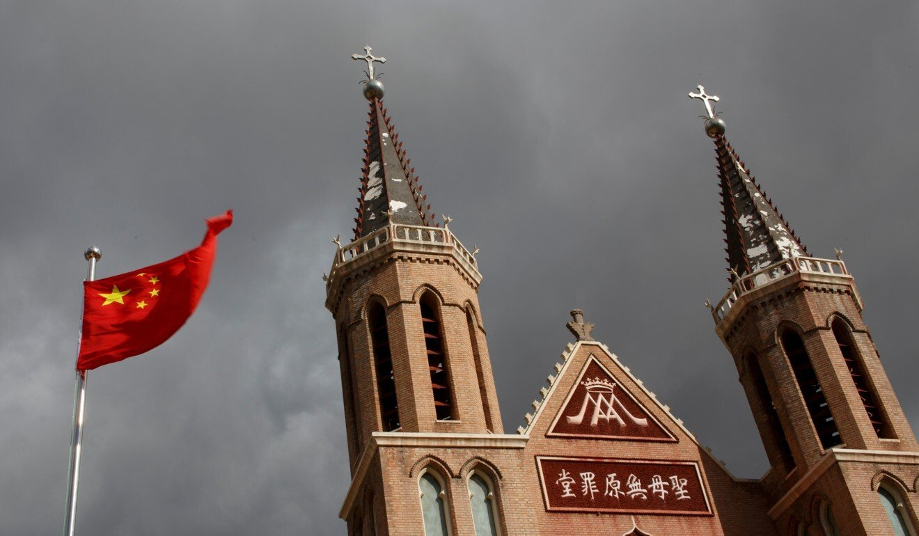 Many Chinese Catholics worship in state-sanctioned churches. Photo: Reuters