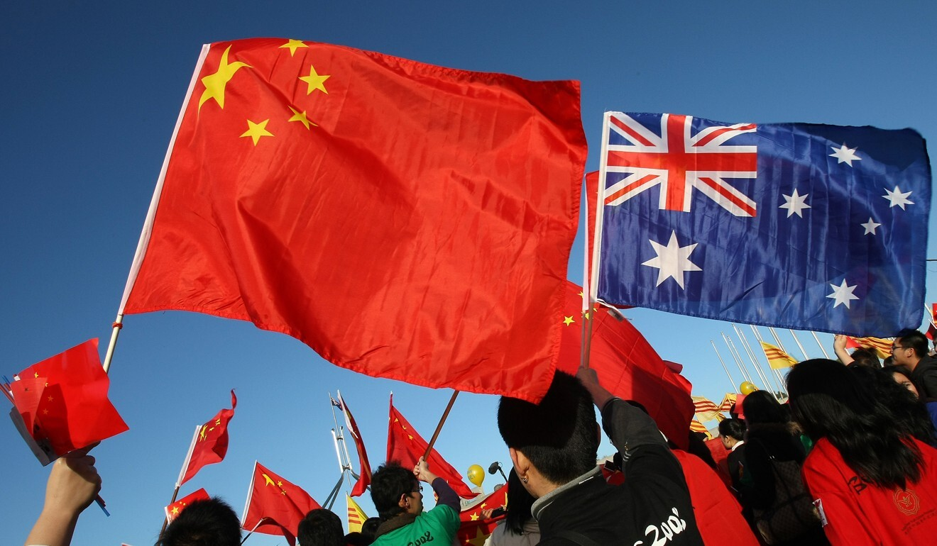 Thousands of Chinese supporters rally outside Parliament House in Canberra during the Beijing 2008 Olympic torch relay. Photo: AFP