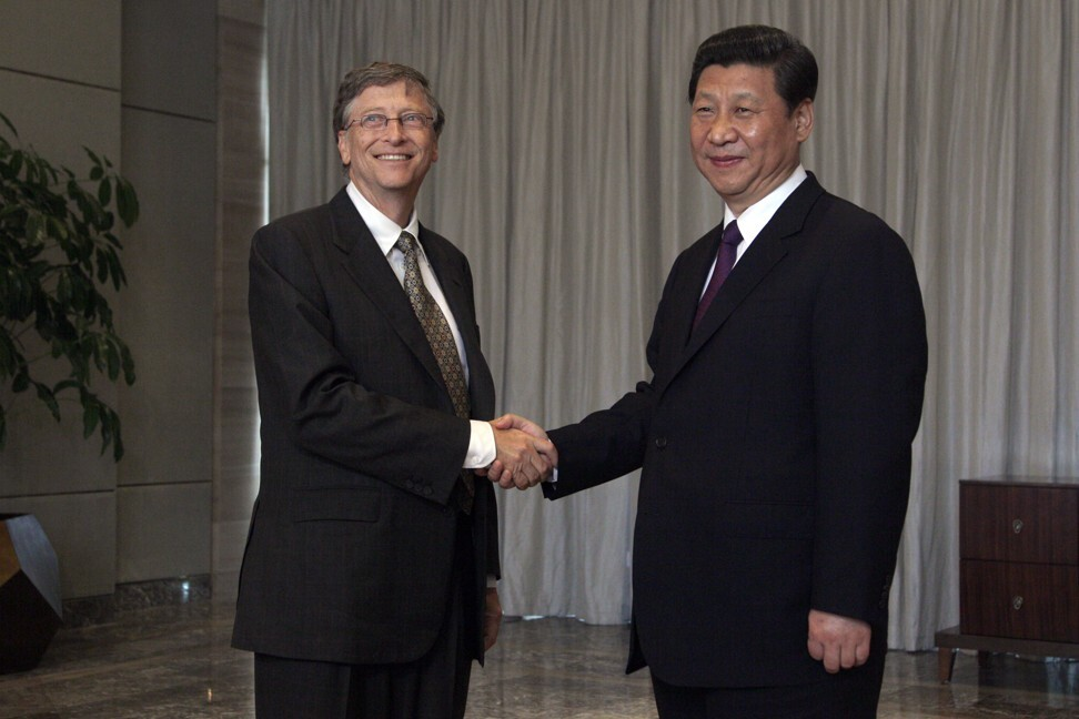 Chinese President Xi Jinping shakes hands with Microsoft founder Bill Gates during the annual Boao Forum on the southern Chinese resort island of Hainan on April 8, 2013. Gates stepped down as Chairman of Microsoft the following year to focus on philanthropy. Photo: AFP