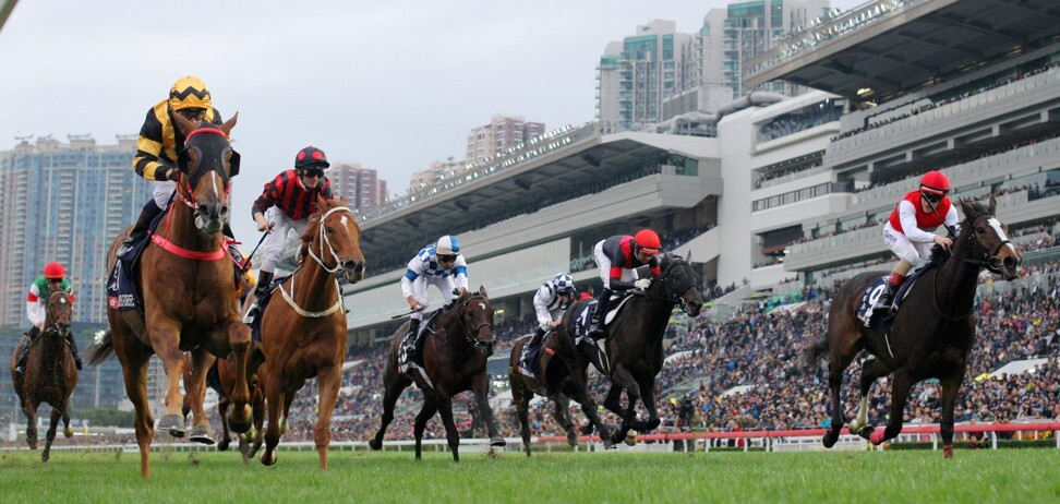 Glorious Forever (left) wins the 2018 Hong Kong Cup.