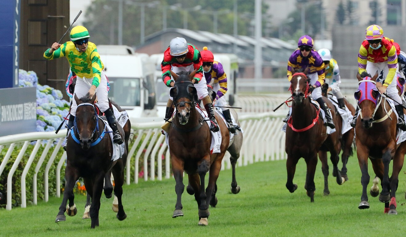 Sky Darci (left) wins the Hong Kong Derby from Russian Emperor (middle) in March.