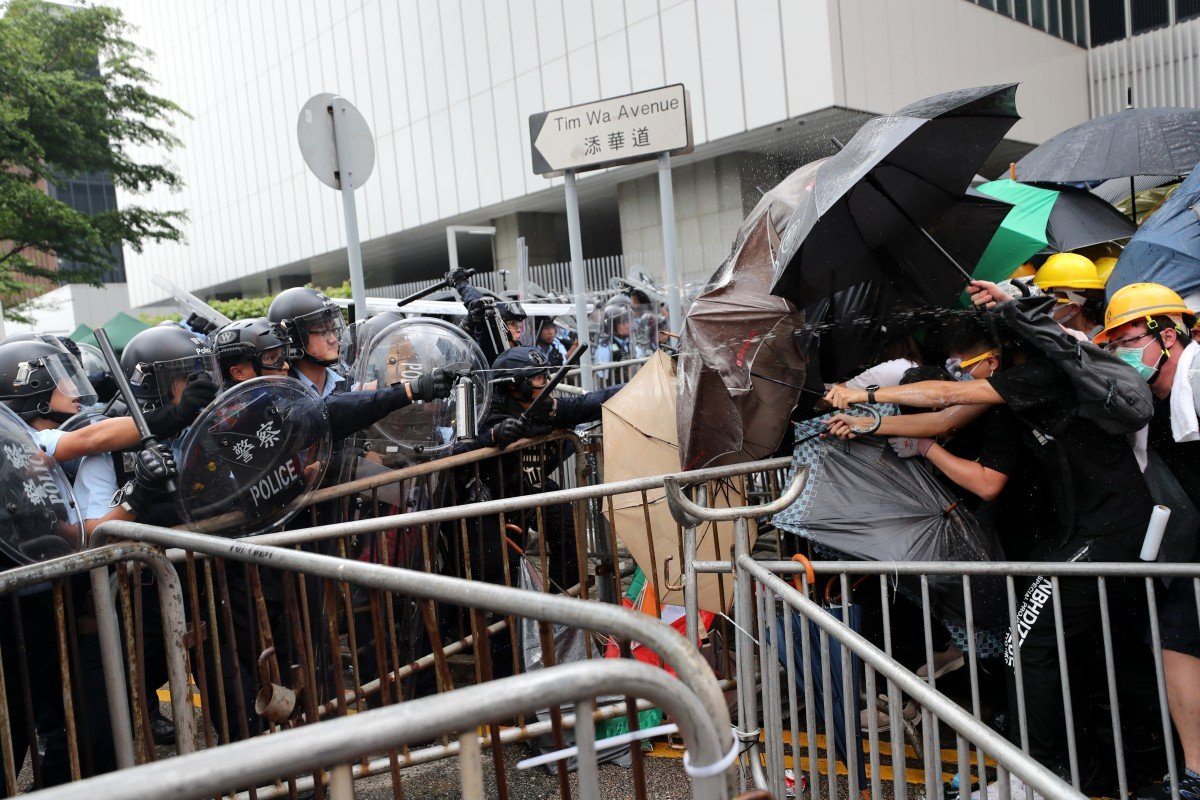 Hong Kong extradition bill: Carrie Lam to hit pause button to 'avoid bloodshed on the streets'
