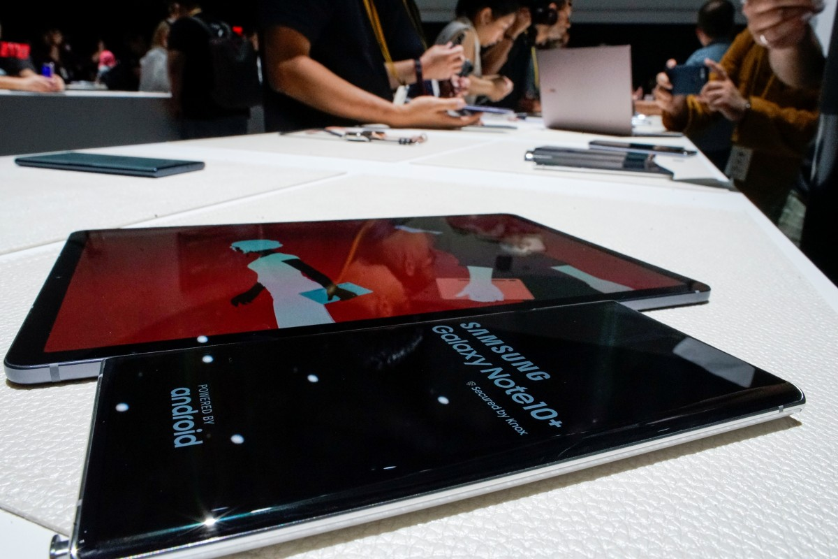 Samsung suffered an embarrassing episode when it was discovered anyone can crack their ultrasonic fingerprint sensor with the help of a cheap screen protector. (Picture: REUTERS/Eduardo Munoz)