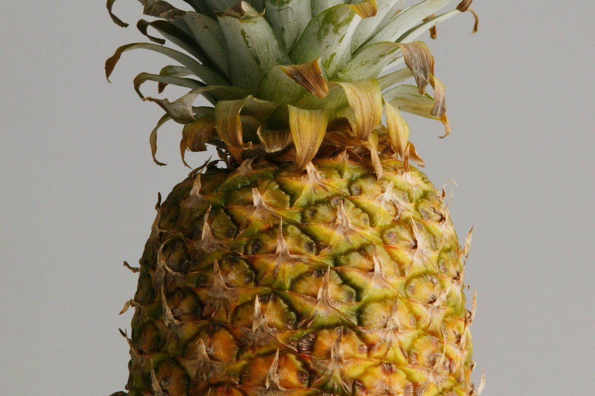 Not just pineapple: tips for peeling five more kinds of fruit from the Chinese internet