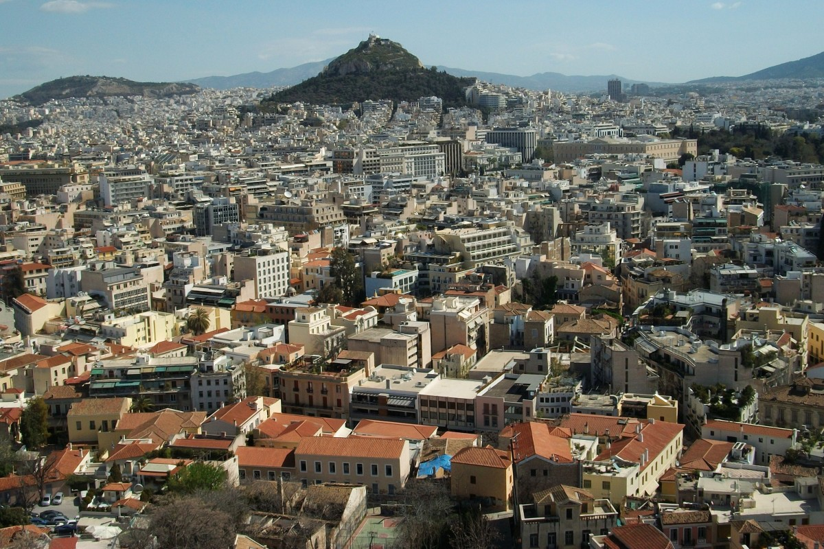 Housing shortage in Greece as property owners evict tenants to get