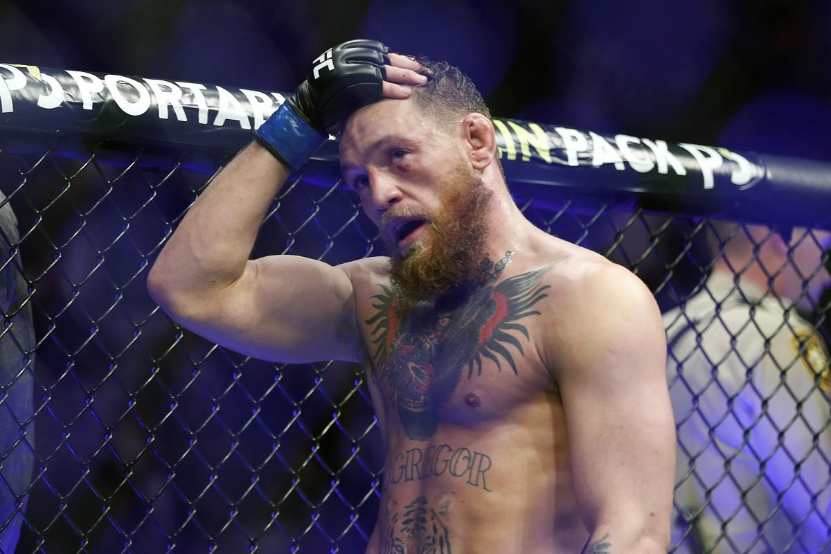 Short Sleeve Tee King 2 Belts Reebok UFC Conor McGregor
