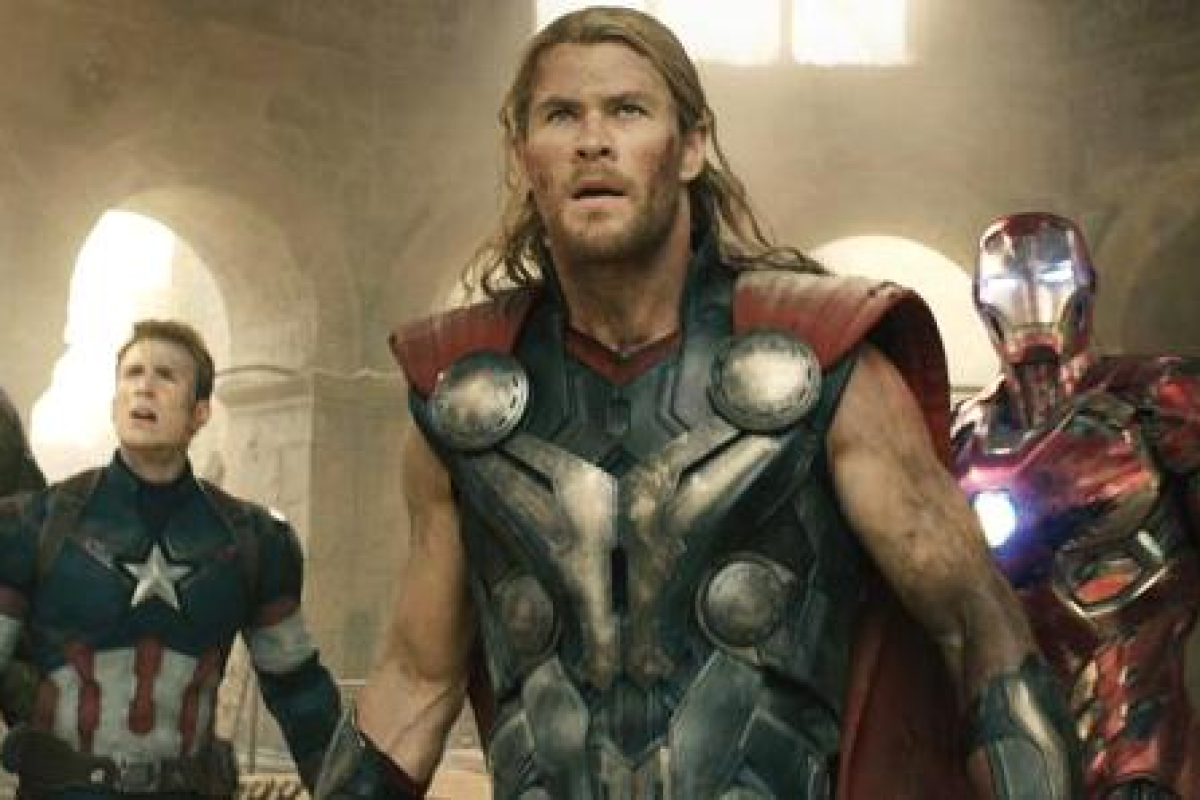 c8d6496ca2cf82 Actor Chris Hemsworth (centre) has beefed up to play the superhero Thor in  The