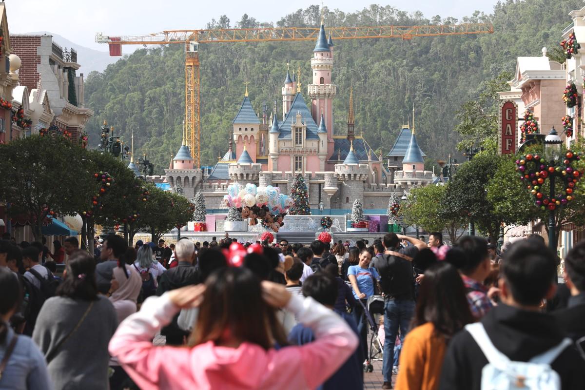 413ff32f60be Hong Kong Disneyland narrowed its losses last year. Photo  Roy Issa