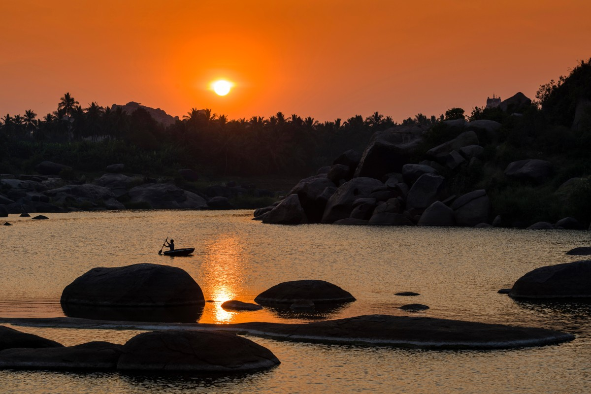 Setting Sun Spotlights Solitary >> Hampi How To Explore The Temples And Ruins Of Ancient Indian