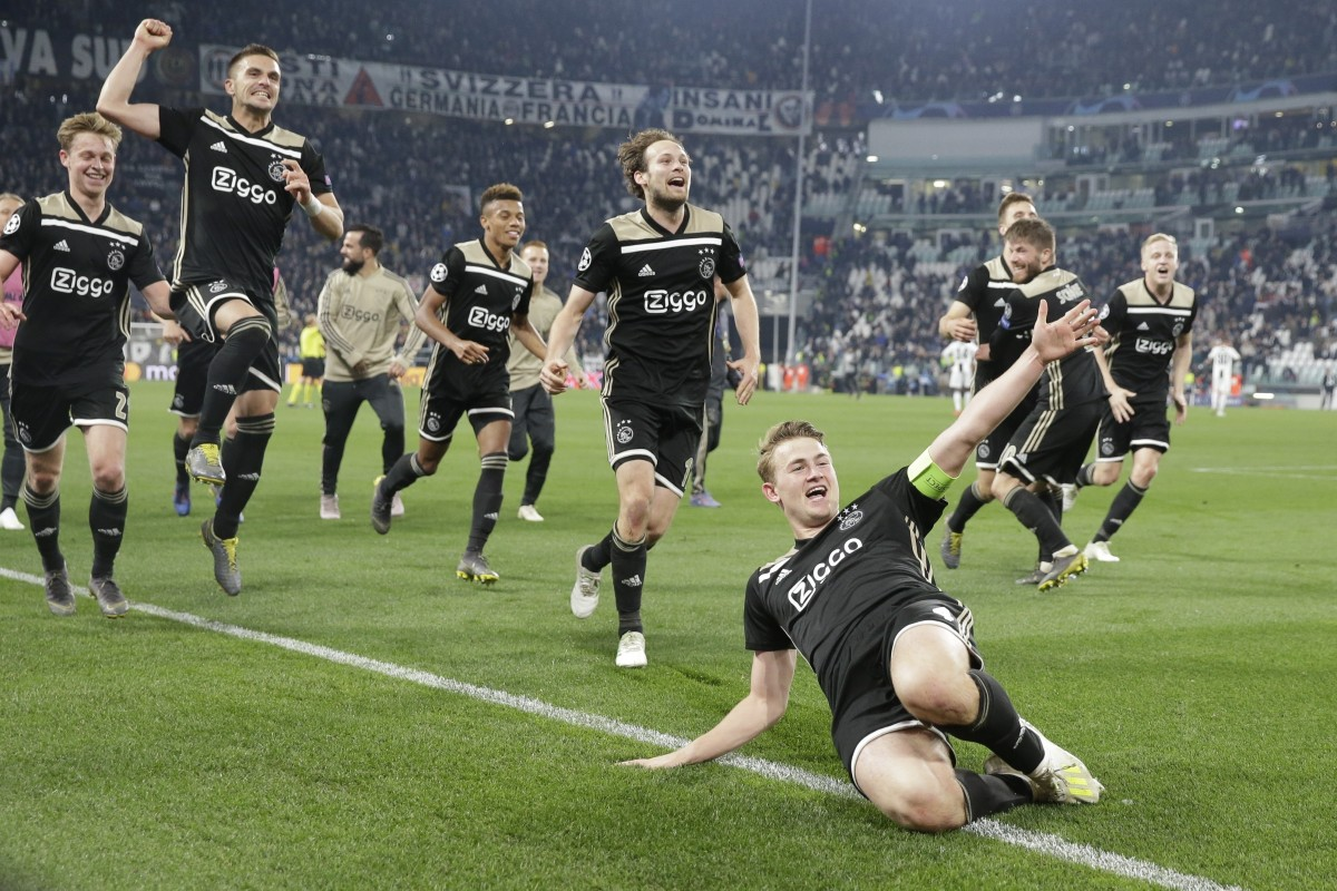 8fbee95a9 Ajax s Matthijs de Ligt and teammates celebrate at the end of the Champions  League