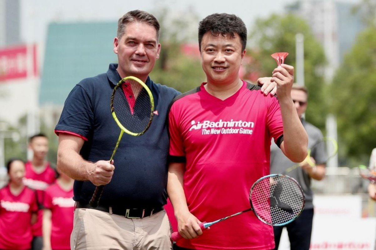 55e2e15d Poul-Erik Hoyer and China's Dong Jiong, the player he beat at the 1996