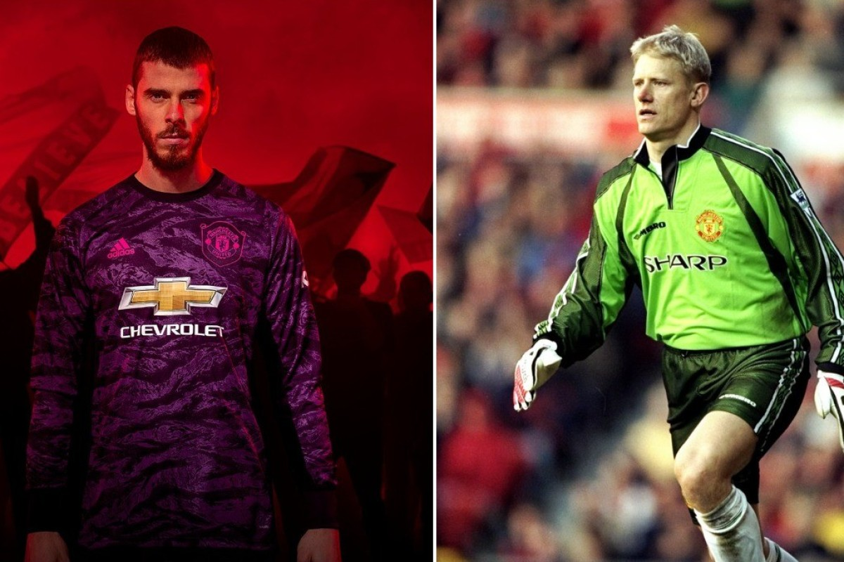 3e6804eb4 Manchester United's David de Gea models the new purple goalkeeper kit,  which is apparently based