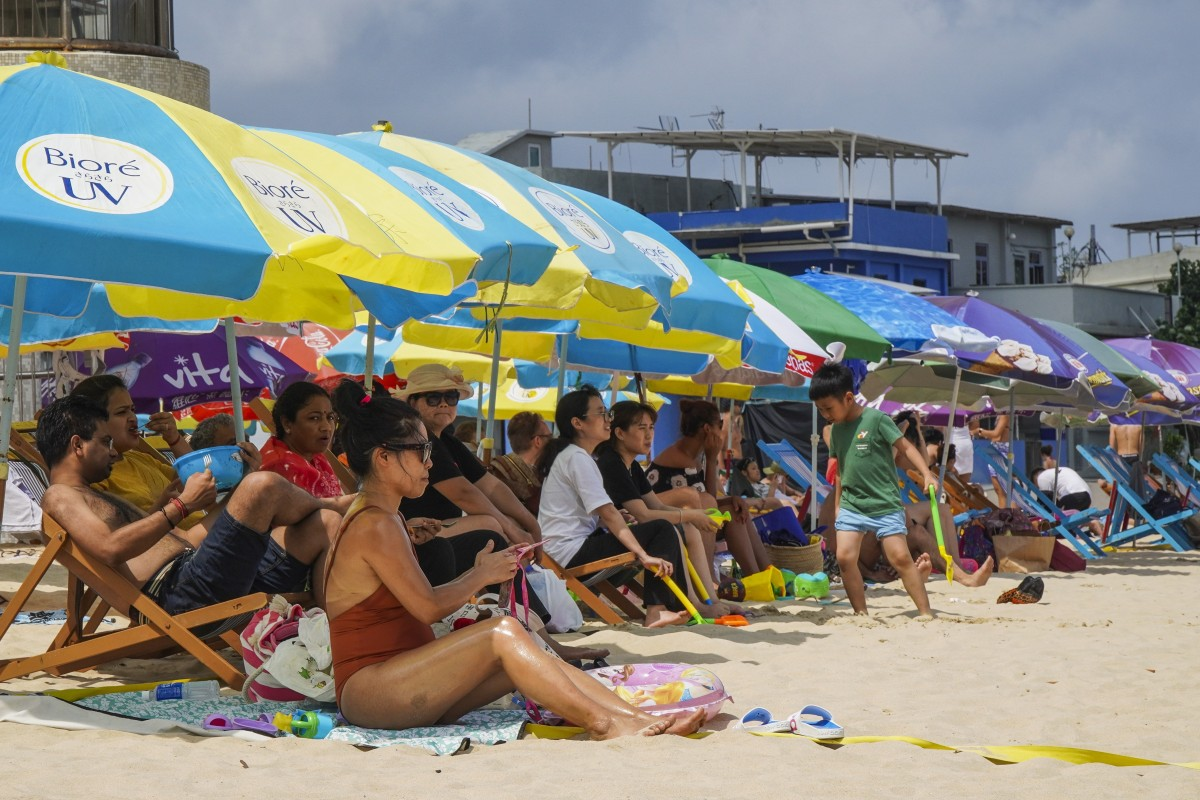 Hong Kong weather hots up as temperatures hit 34 degrees Celsius