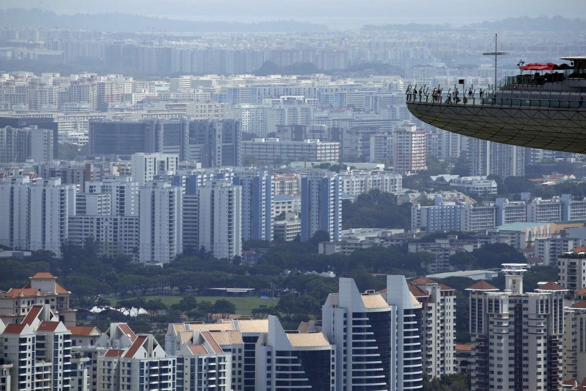 Hong Kong investors take advantage of a correction in Singapore's