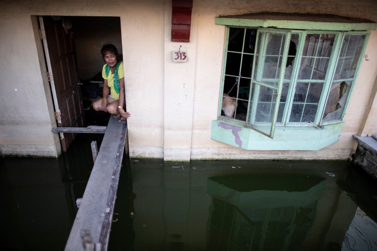 Philippine towns are sinking, even the dead are drowning | South