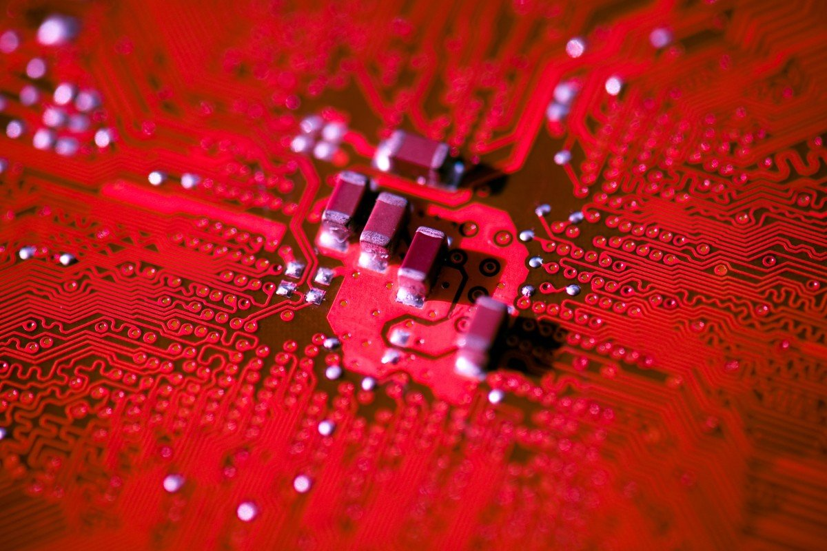 Chinese scientists develop transistors about the width of a
