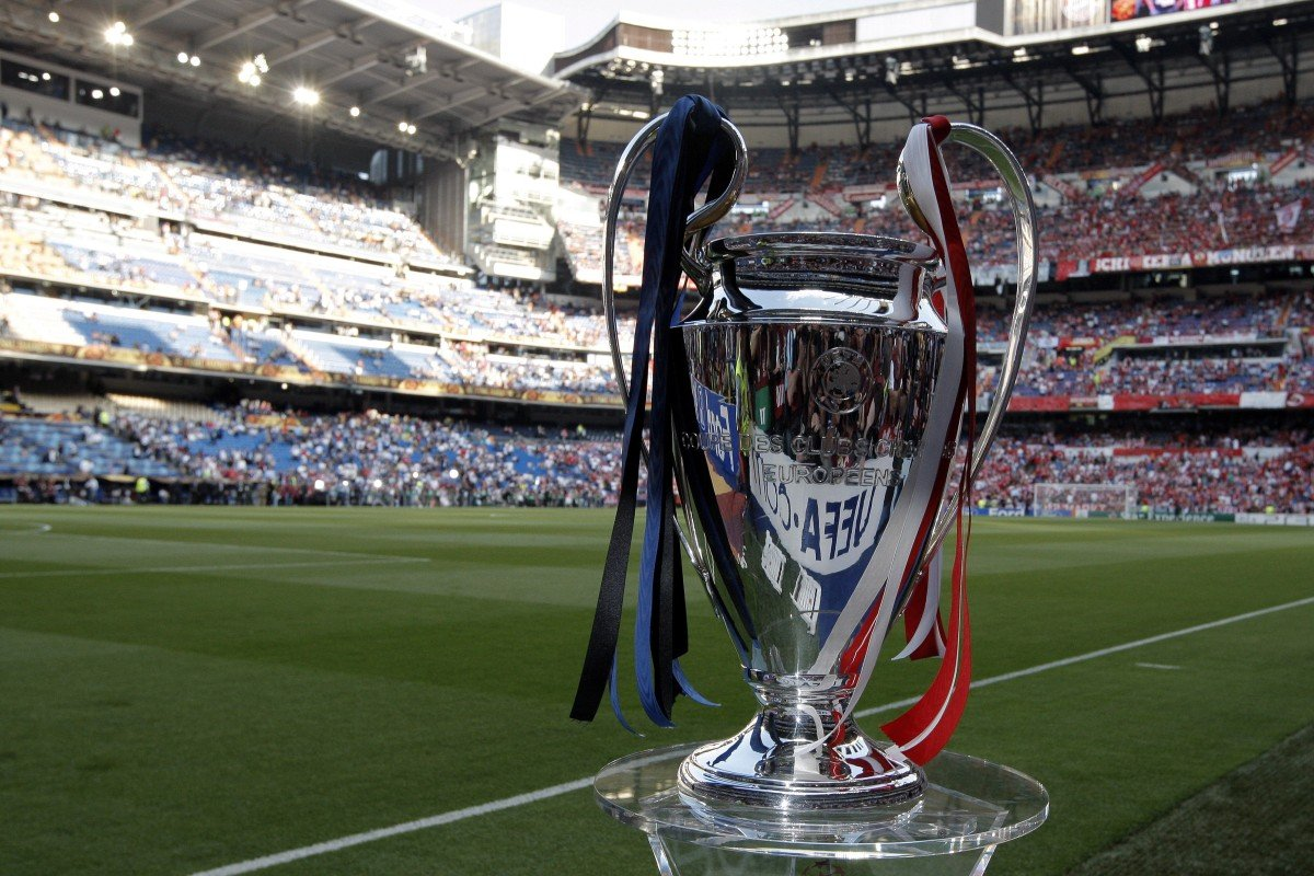 84010e16c06df The Uefa Champions League trophy is displayed on the pitch before the final  between Bayern Munich
