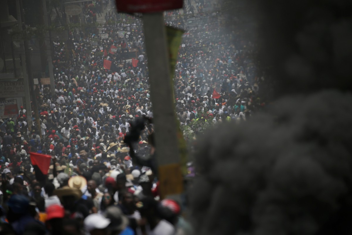 Violence engulfs Venezuela border as aid push descends into