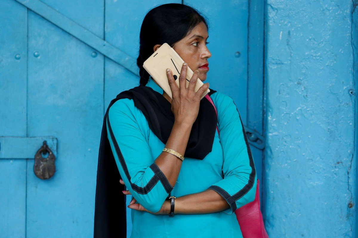 Can India's ultra-low mobile tariffs last? Ask Mukesh