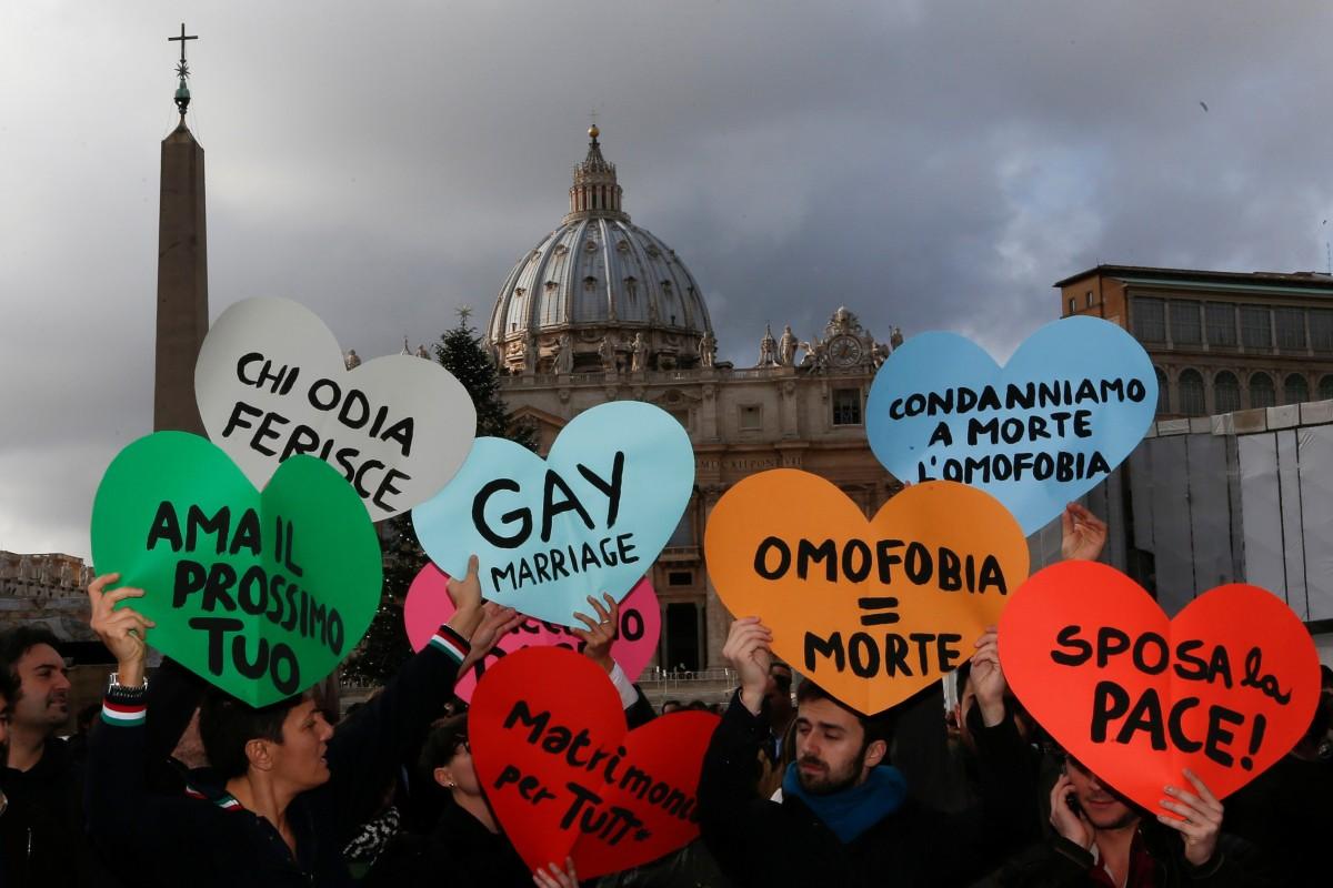 Latino homosexuals unprotected sex in bar