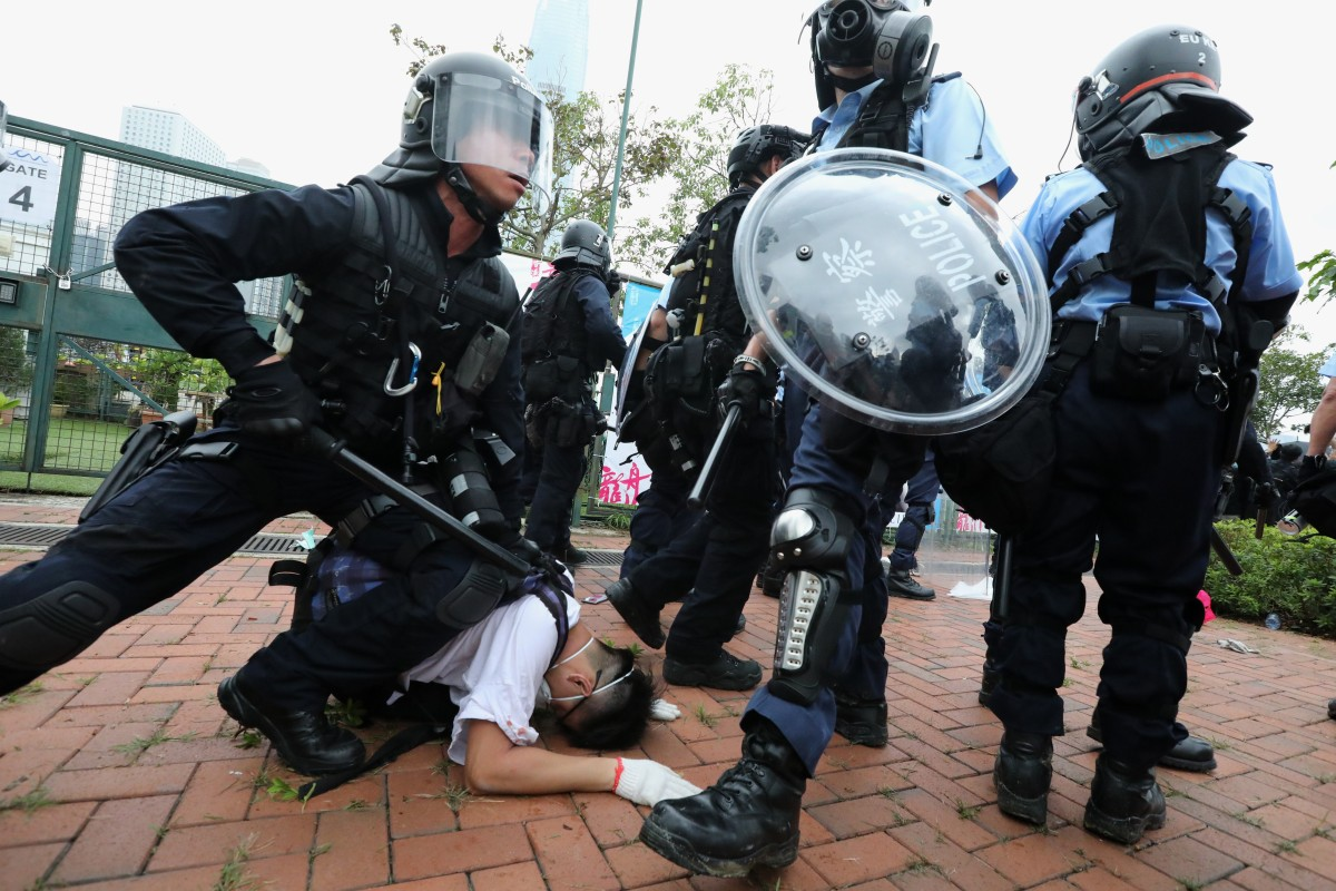 In Hong Kong protests, did police use excessive force or issue a