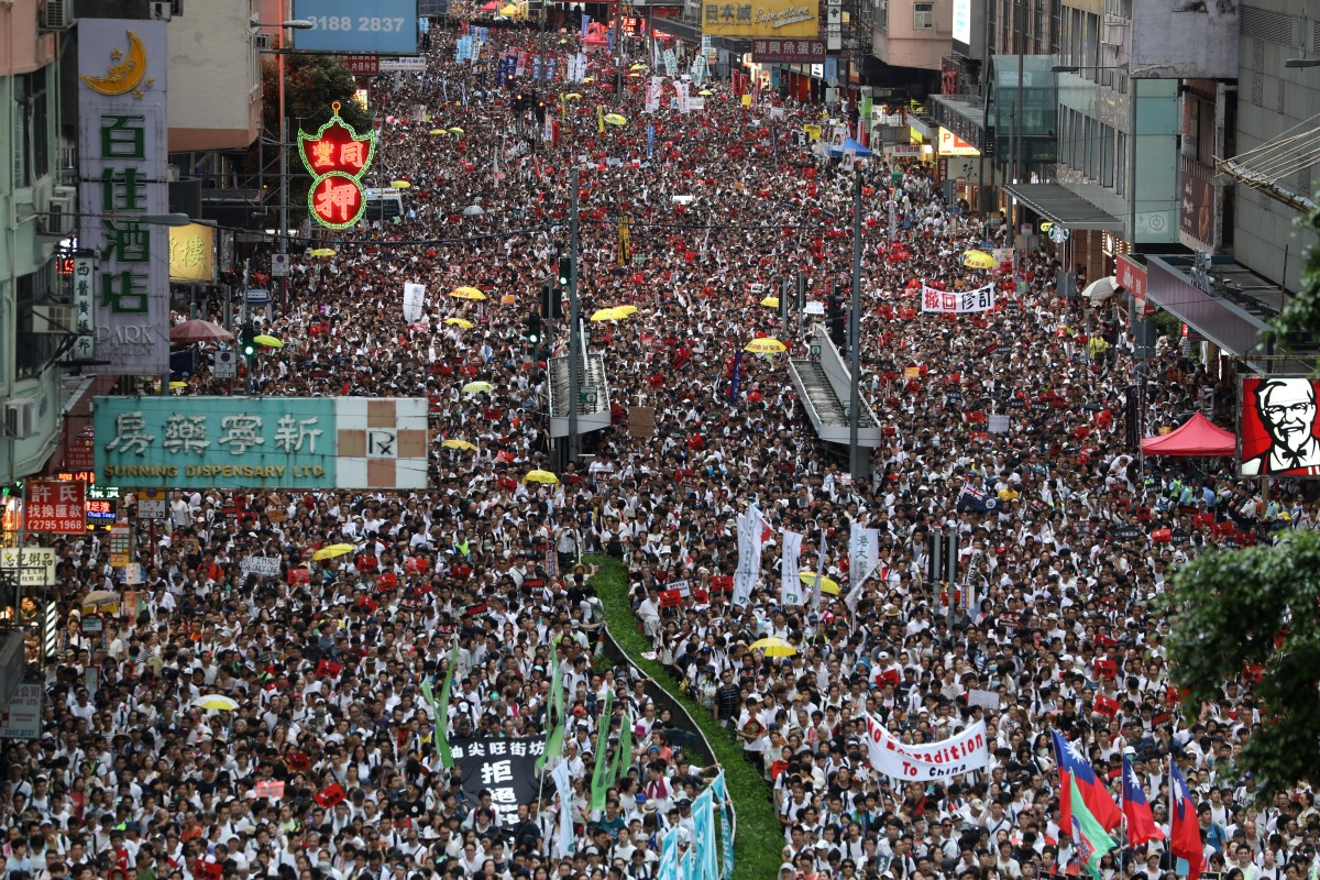 Hundreds of thousands of protesters marched from Causeway Bay to government headquarters in Admiralty last weekend, and organisers want people to come out again on Sunday. Photo: Sam Tsang