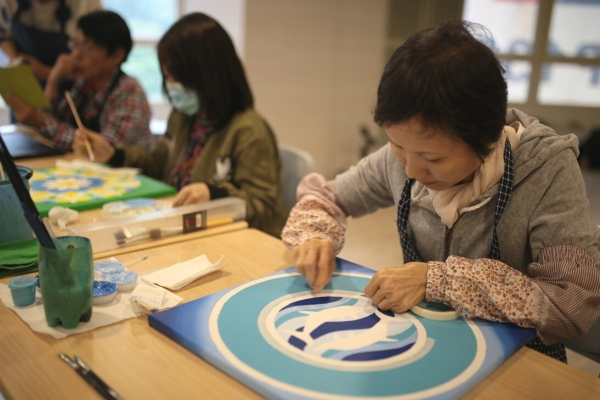 Art therapy for cancer patients: the magic of mandala making