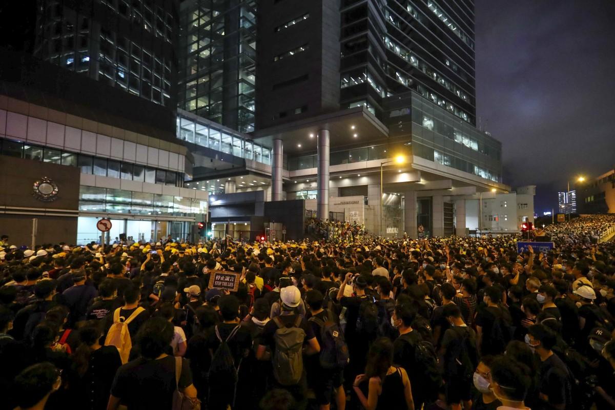 Legislative Council filibuster holds up Hong Kong officials