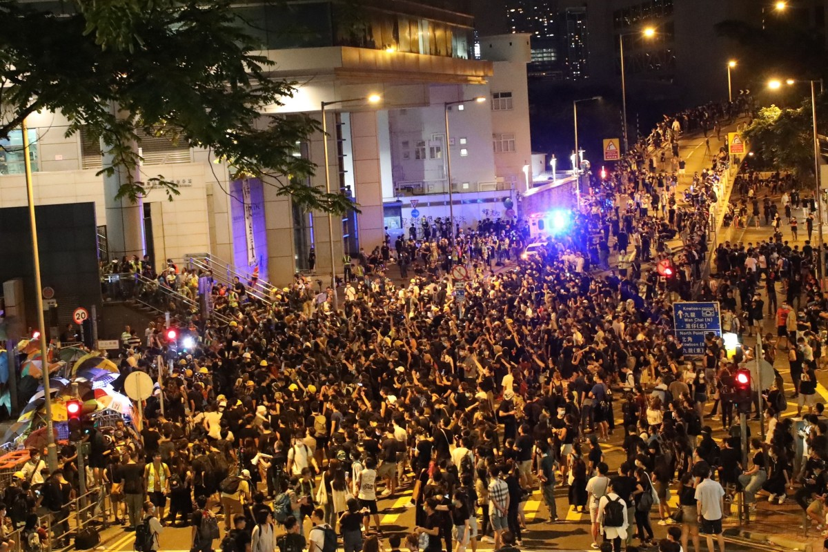 Siege of Hong Kong police headquarters ends without clashes after 6