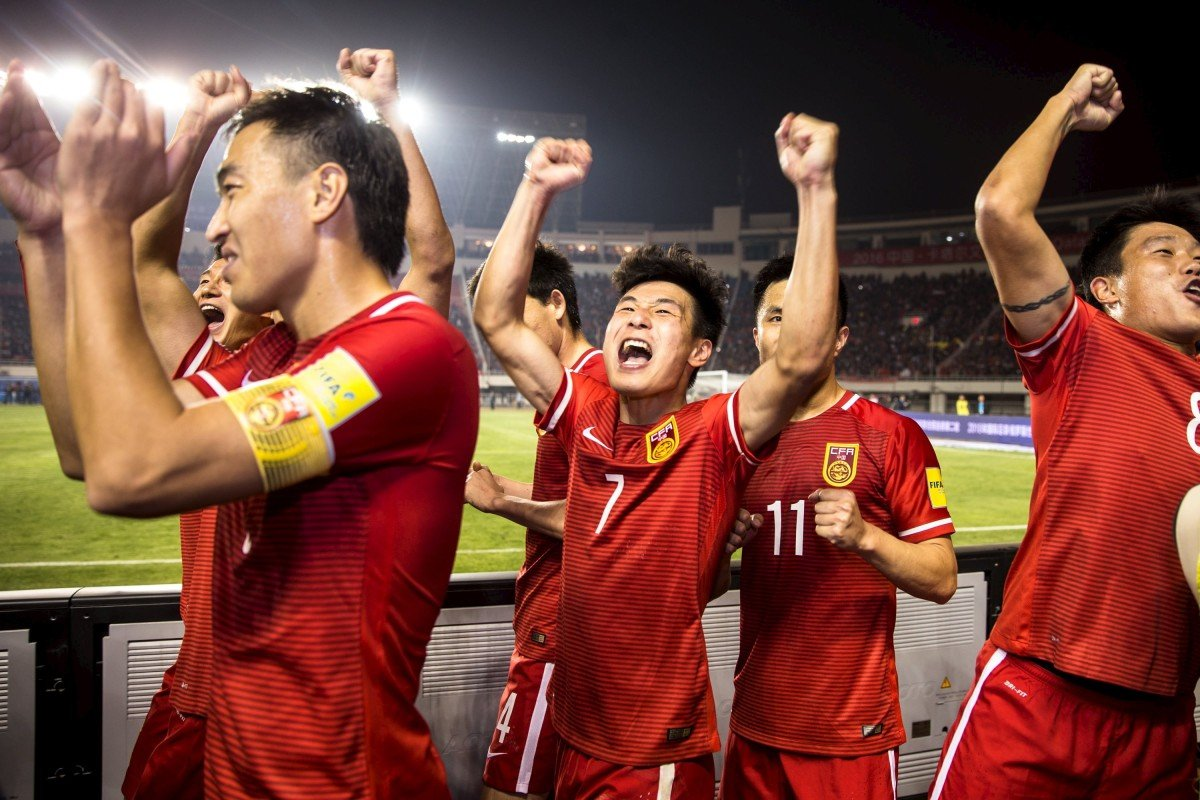 China's soccer team has high hopes, but it still has a long way to go before it can even dream of competing on the world stage. Photo: Reuters