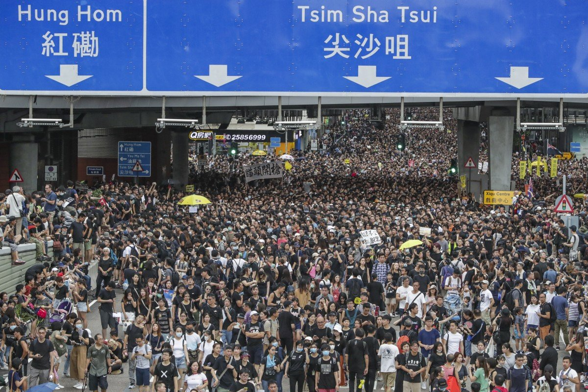 Public increasingly backing radical Hong Kong protesters