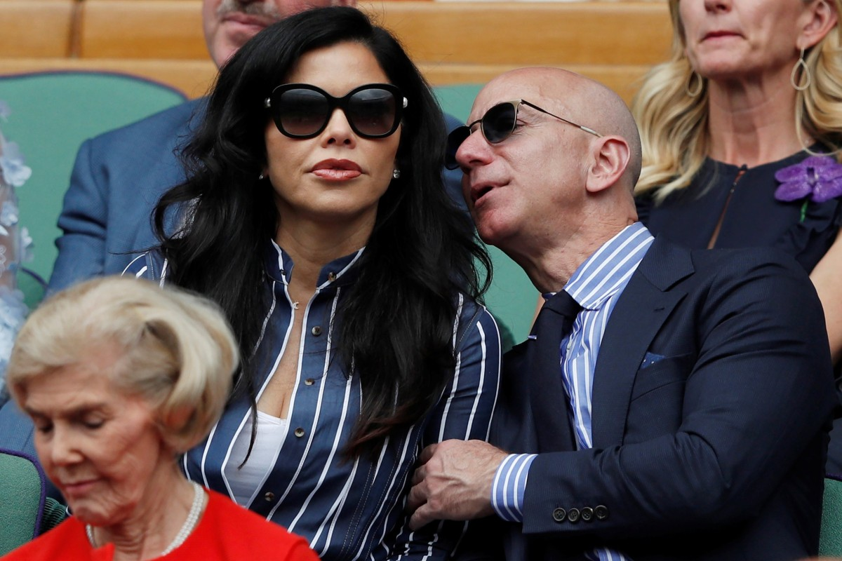 6a15fb5068aa7 Amazon CEO Jeff Bezos and girlfriend Lauren Sanchez make their ...