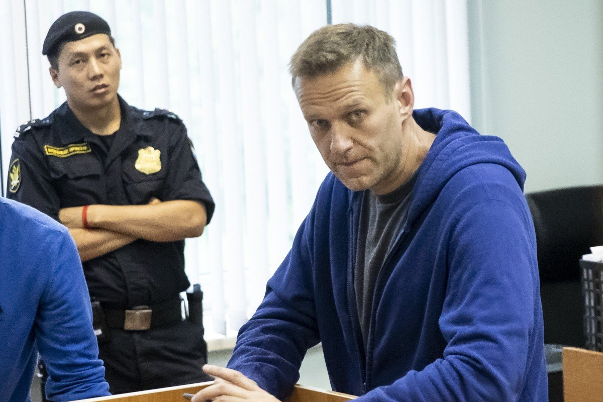 Russian opposition leader Alexei Navalny jailed for 30 ...