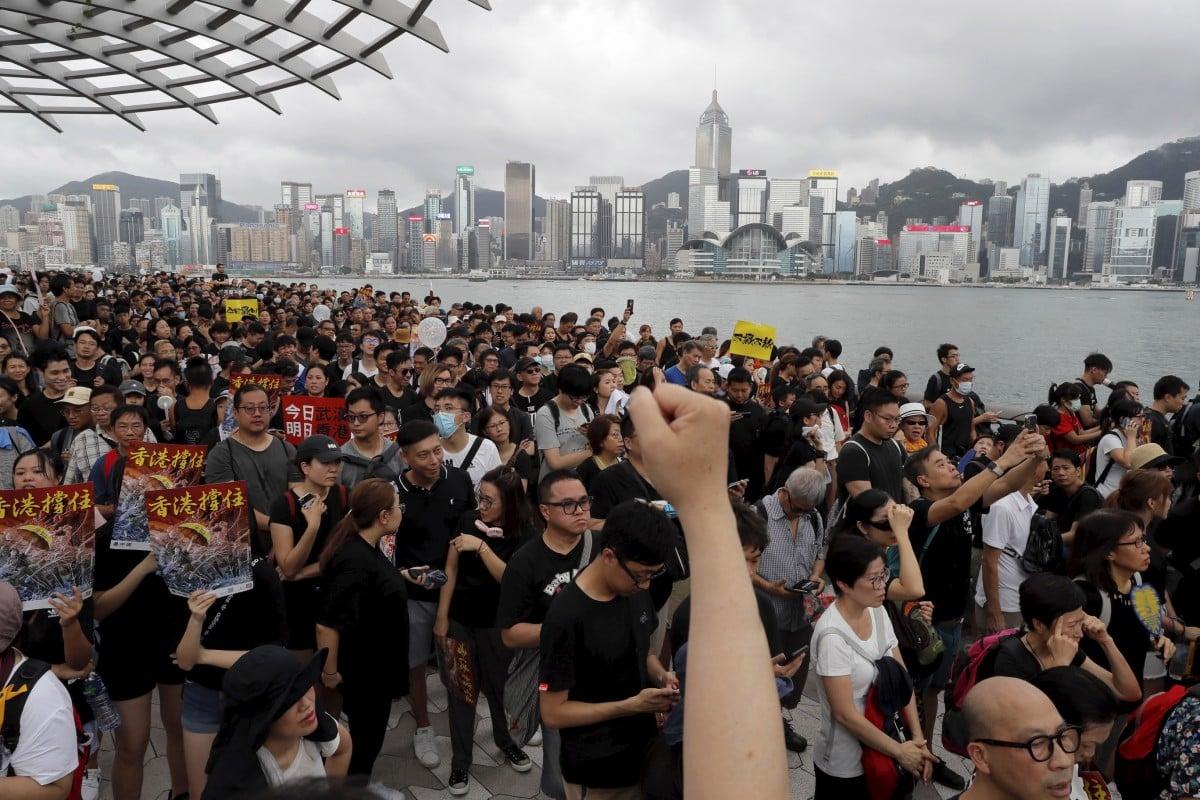 b180a7e39 Hong Kong's stockbrokers face a bleak second half as job cuts loom ...