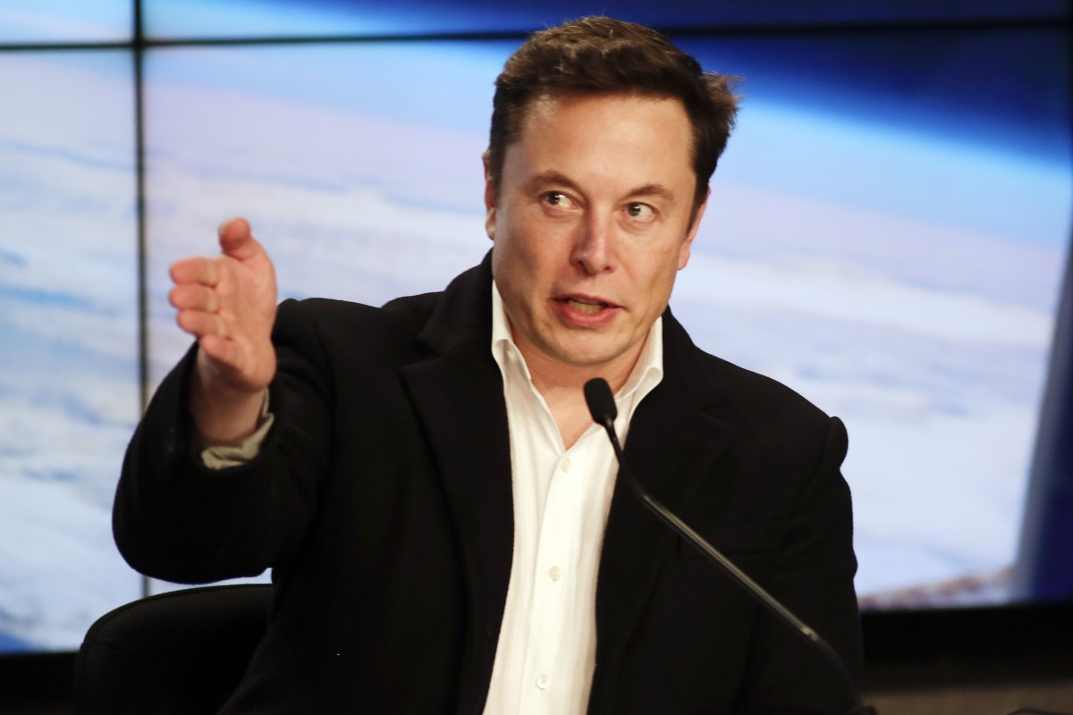 Elon Musk's 12 books to read for business and personal
