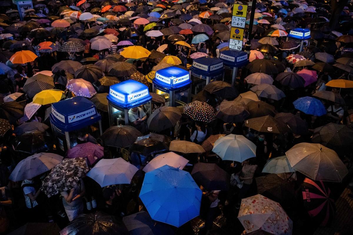 Hong Kong pro-establishment candidate Chan Hoi-yan wins