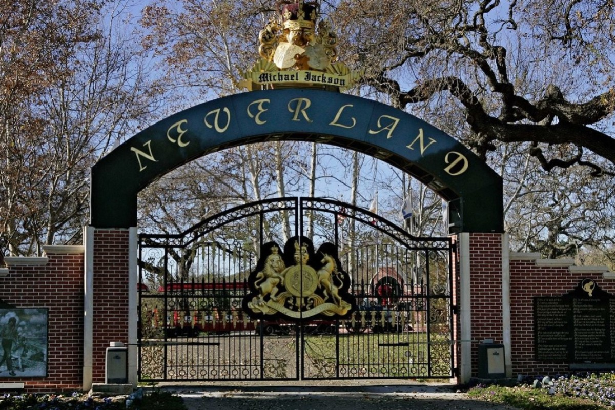 Michael Jackson's Neverland Ranch – and 6 other luxury homes