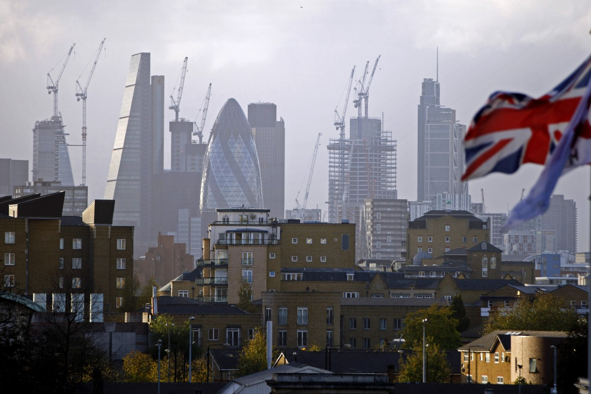 Wealthy Chinese apply to move to the UK at the highest rate