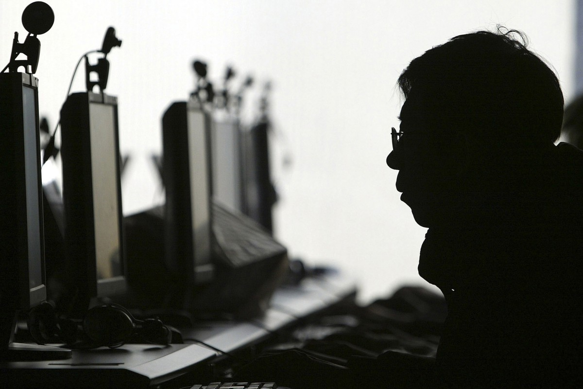 Philippines arrests 277 Chinese accused of running online investment scam