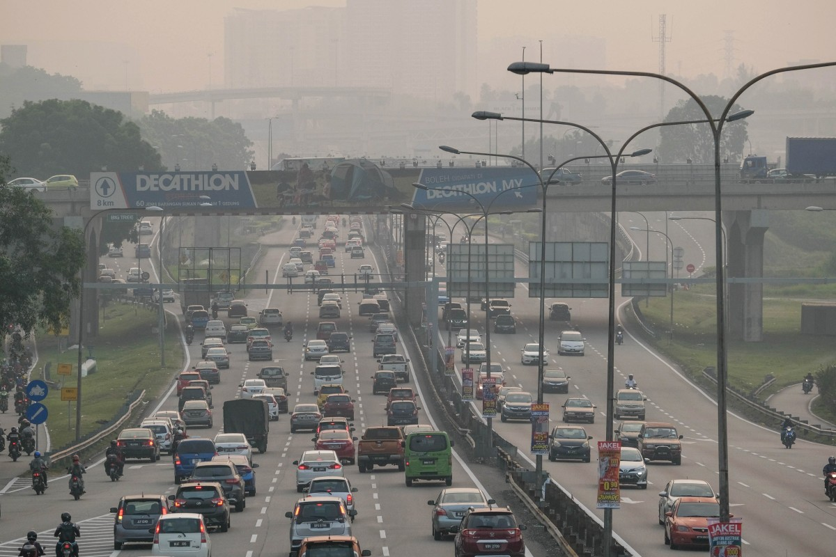 Singapore driver caught in Malaysia with 116 outstanding ...